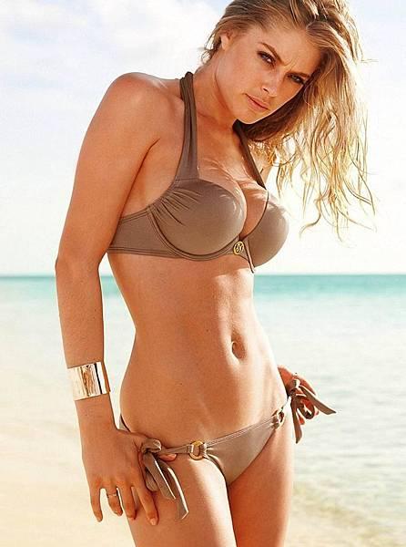 doutzen-kroes-victorias-secret-swimwear-photoshoot-victoria-secret-957489726