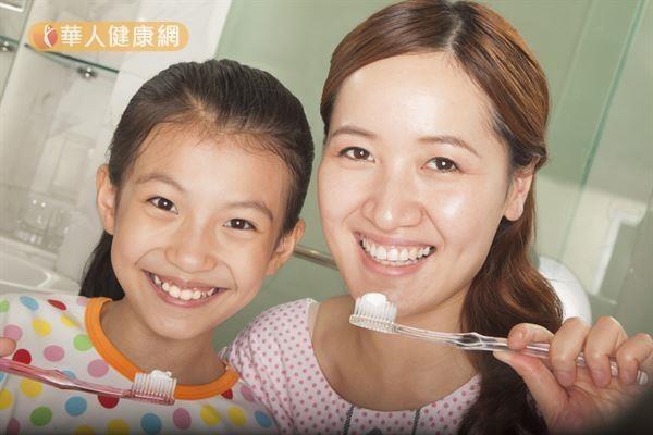 每天刷牙,牙齒還是好黃?美白牙齒有秘訣!2
