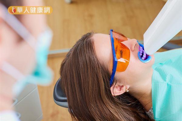 每天刷牙,牙齒還是好黃?美白牙齒有秘訣!7