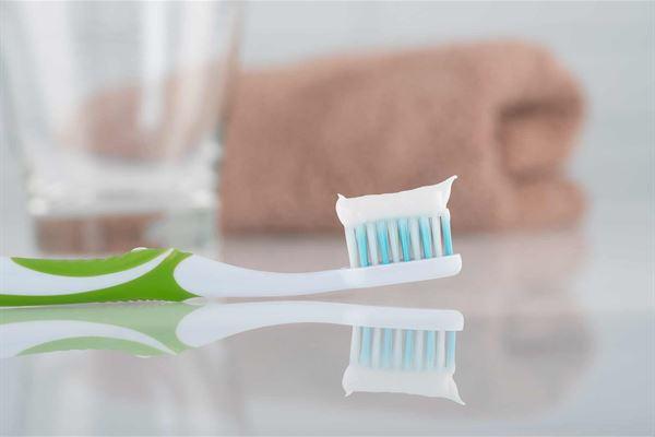 拒絕「病從口入」!選對抗菌牙刷清潔口腔,鞏固全身健康2