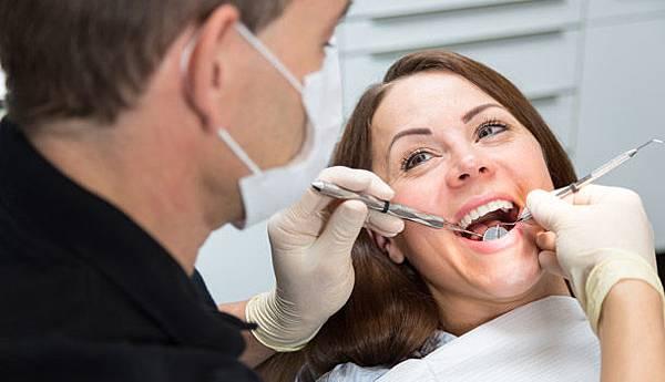 磨牙、清晨嘴乾… 口腔小毛病能發現奪命病癥2