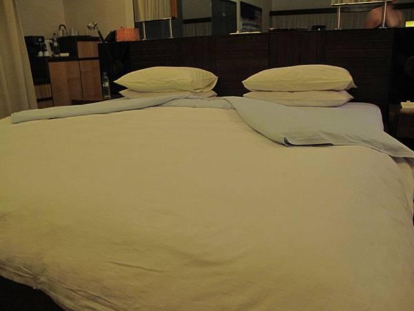 66-晚上的床
