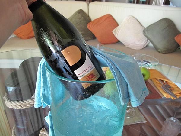 81-免費香檳