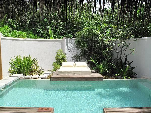 70-Villa Pool