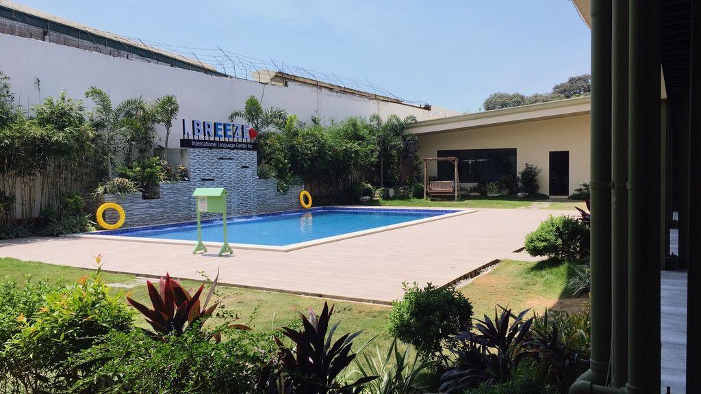 i.Breeze語言學校游泳池