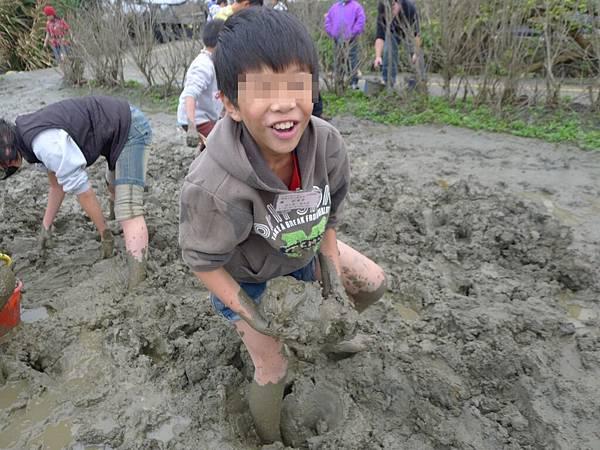 2/25你看我挖到很多土唷