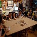 5/14-感謝小提琴老師.所以帶蛋糕和老師分享-2