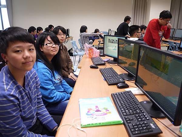 DES鼎益盛_佛光大學joomla成果發表joomla學生教學研習營_161.JPG