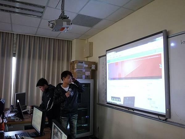 DES鼎益盛_佛光大學joomla成果發表joomla學生教學研習營_216.JPG