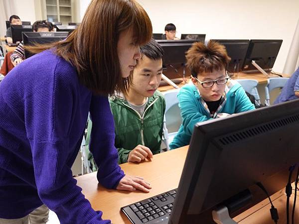 DES鼎益盛_佛光大學joomla成果發表joomla學生教學研習營_70.JPG