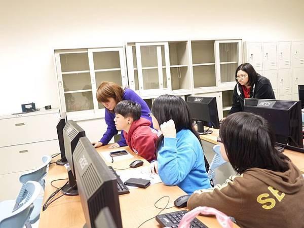 DES鼎益盛_佛光大學joomla成果發表joomla學生教學研習營_85.JPG
