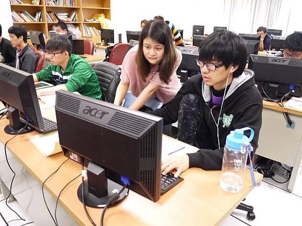 DES鼎益盛_佛光大學joomla成果發表joomla學生教學研習營_130.JPG
