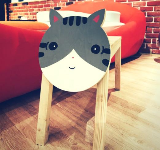 20170813_4卡通臉造型椅.jpg