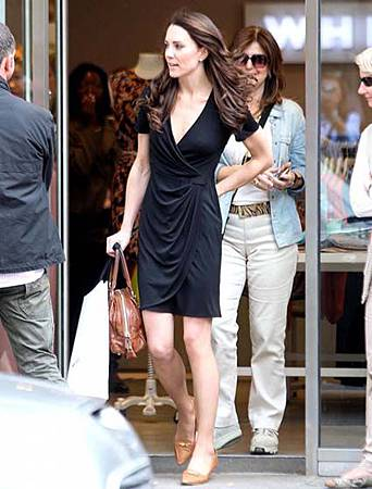 Kate-Middleton-Goes-Shopping-in-London-01.jpg