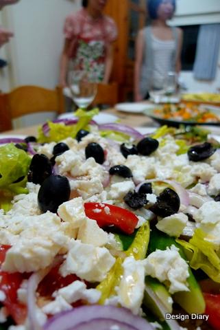 這盤沙拉我忘了名字...誰可以留言告訴我?