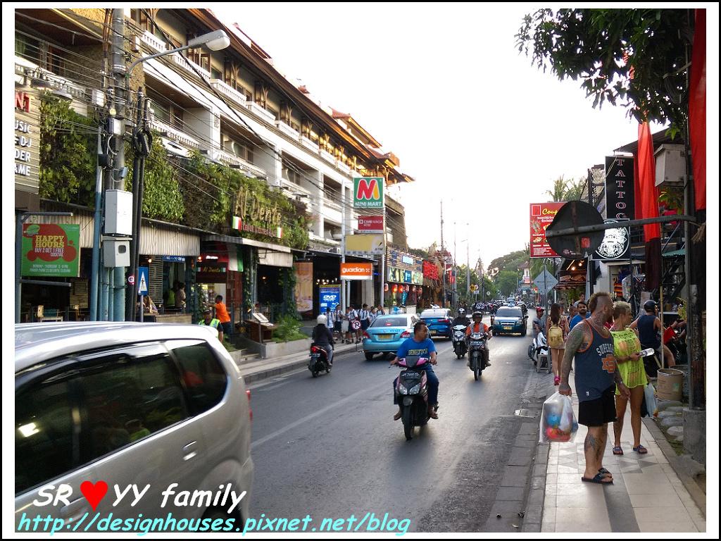 Bali 交通1峇里島,自由行,巴里島,交通規劃,峇里島交通,租車,包車,計程車,京都,水明漾,庫塔,金巴蘭,烏布,大阪,推薦,曼谷,泰國,台灣旅遊,巴里島,峇里島, 印尼峇里島,交通 ,天氣