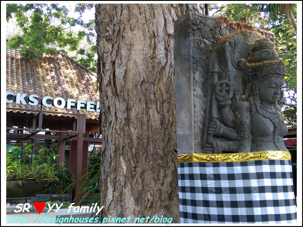 星巴克 Starbucks推薦必買必吃必玩烏布庫塔Ubud,Kuta,Sanur沙努爾大街逛街,放空一日遊 Hotel 旅館 推薦峇里島自由行,峇里島放鬆秘境-Sanur沙努爾Puri Santrian 下午茶行程規劃自由行SOP購物峇里島Bali巴里島Villa懶人包飯店推薦villa