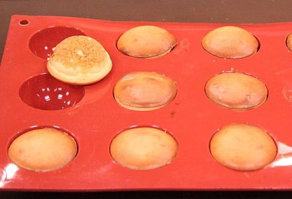 入爐烤焙, 爐溫上火210/下火130℃烤約15分鐘