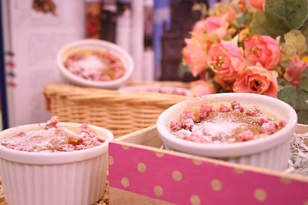 蜜桃起司雙重奏 創意法式烤布蕾