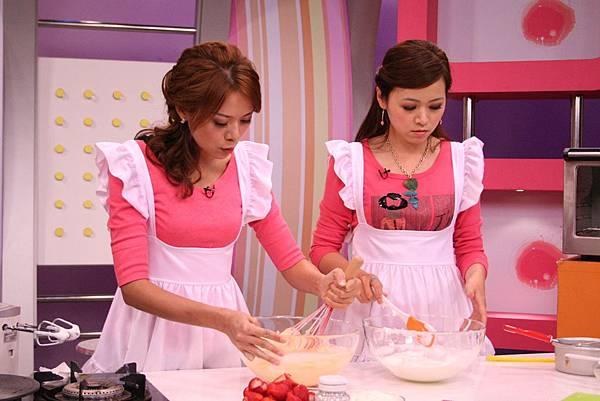 <草莓戚風蛋糕做法>