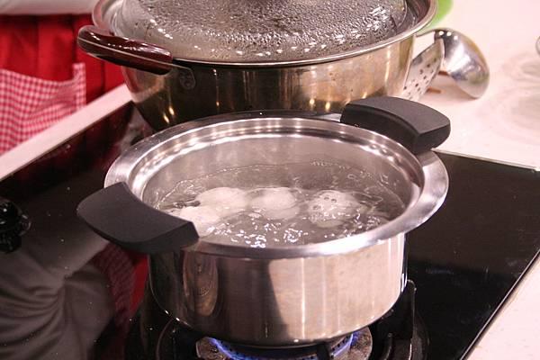 酒釀芝麻湯圓 做法