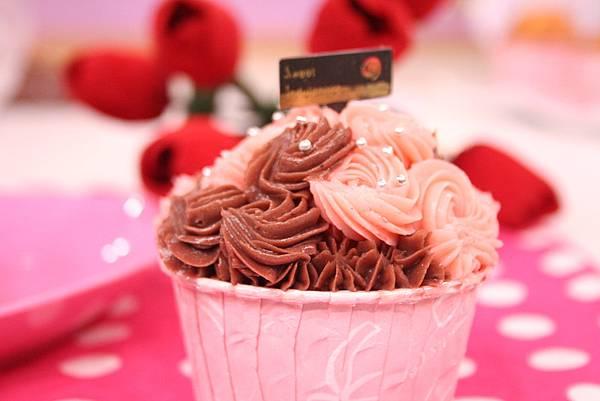 玫瑰花杯子蛋糕