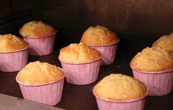 玫瑰花杯子蛋糕 做法