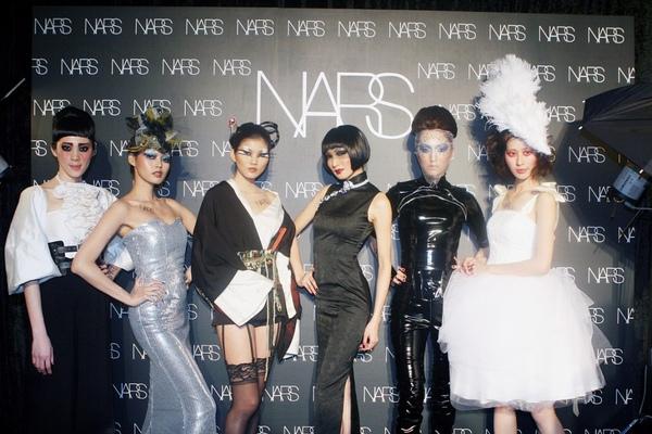 NARS年度經典妝容-02.jpg