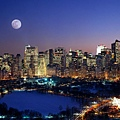 Moonrise_Over_Manhattan_Island.jpg