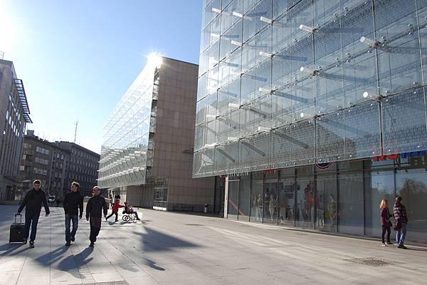 車站前的mall
