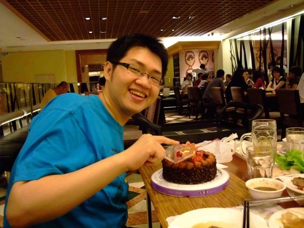 我的生日~我切蛋糕