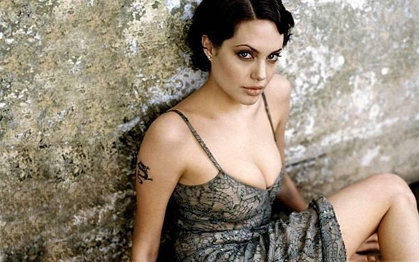 Angelina-Jolie-2013-Photoshoot-HD-Wallpaper