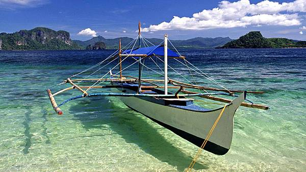 Boat-Cebu-Beach-Wallpaper-Laptop-Backgrounds-456456.jpg