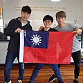 畢業只有3個台灣人.jpg