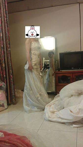 租二手禮服-婚紗租借(買禮服)