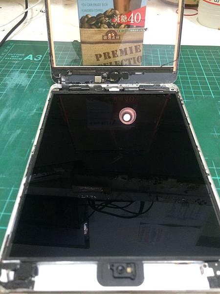 I Pad mini 3 泡水 (初步拆機過程)Part 1