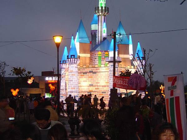 點燈後的城堡