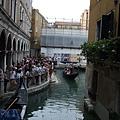 為何喚威尼斯水都~這照片可說明~.JPG