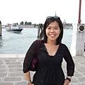 呼~一陣小顛簸的乘風破浪加日曬,終於登上威尼斯的碼頭!.JPG