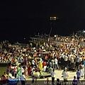 河壇夜祭,滿滿的圍觀人潮,也成為一個很厲害的風景。