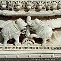 保存良好且精細的大理石雕刻,在千柱之廟處處可見!