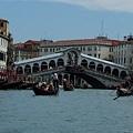 這是威尼斯另一不能錯過的名景~~.JPG