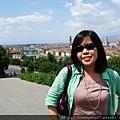 抵達佛羅倫斯時,太陽照樣火辣。如果沒有太陽眼鏡,根本很難擠出笑容照相…