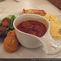 我點的Brunch: 主餐是義大利肉丸;附法式起士蛋捲、奶香吐司、時蔬沙拉與南瓜泥。(PS: 隨餐可選咖啡OR灌木茶--我點了降血脂的灌木茶,好健康!)
