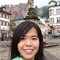 我在城堡下的市集廣場。 (2).JPG