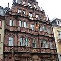 海德堡唯一一棟文藝復興時期的建築~騎士之家,也是此地現存最古老建築! 現是旅館。.JPG