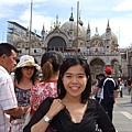 聖馬可大教堂及其前方偌大的大廣場,是吸聚最多觀光客的大熱門景點~.JPG