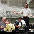 An Italian handsome guy is singing opera on Gondole, so romantic!!.JPG