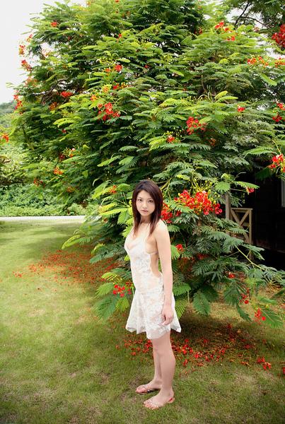 hitomi_touchme_41.jpg