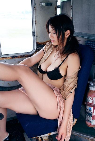 hitomi_touchme_23.jpg